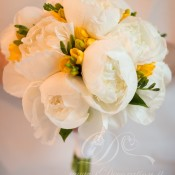 Bouquet peonie e fresie idecoration