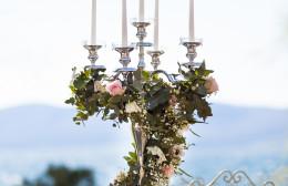 candelabro con fiori idecoration
